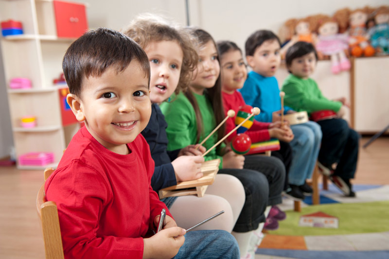 Glade barn i barnehage