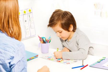 Barn som tegner