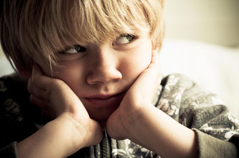 Gutt 5 år som er lei seg