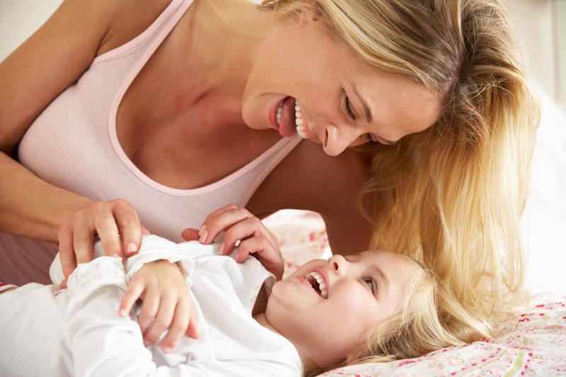 Mor og datter sengetid