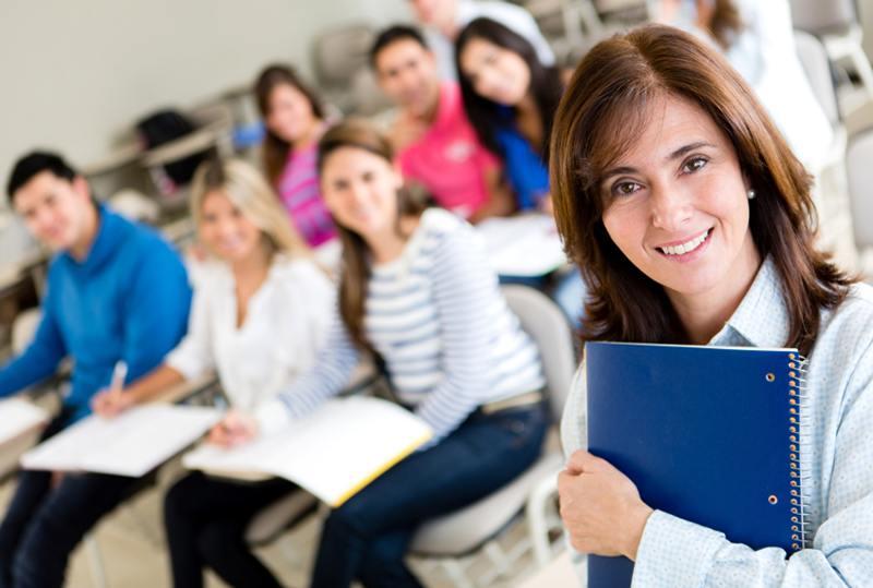 Kursleder holder kurs for kommende kursledere