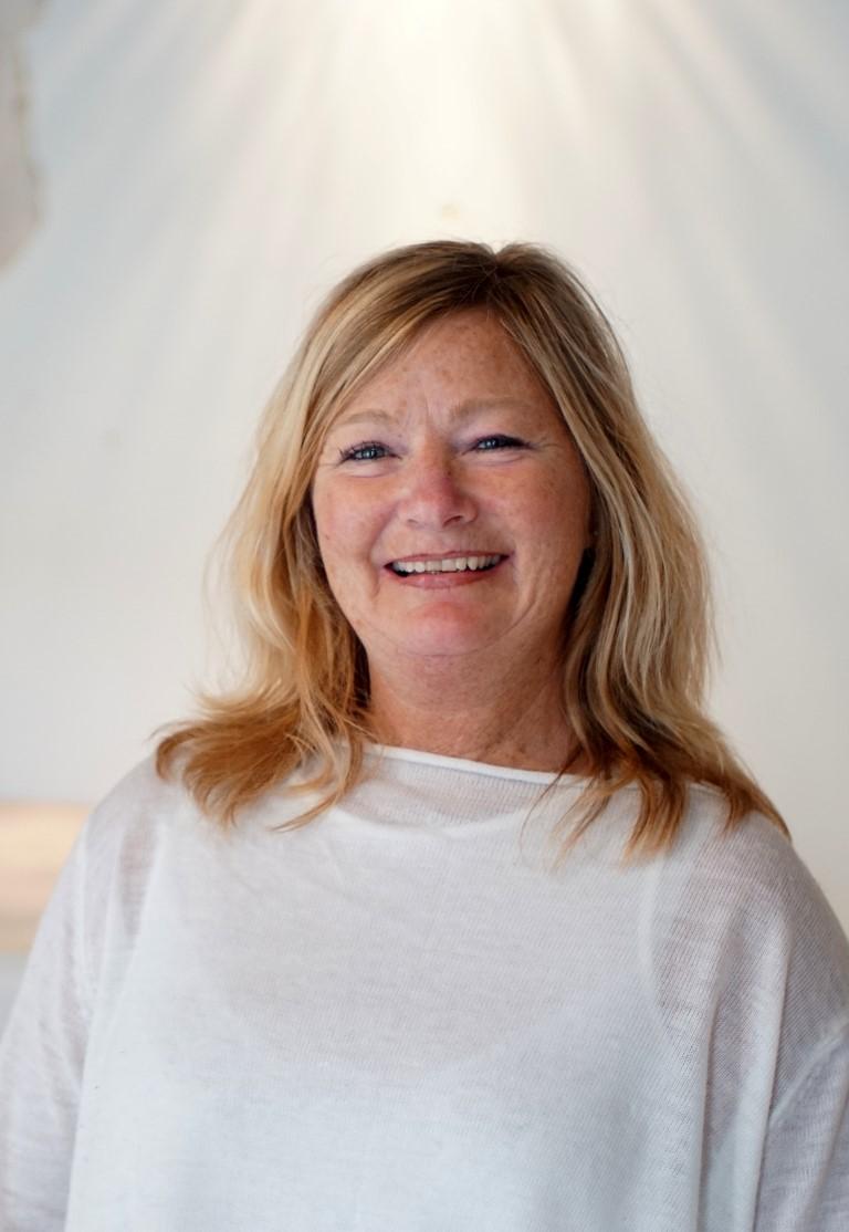 Annichen Pettersen smiler