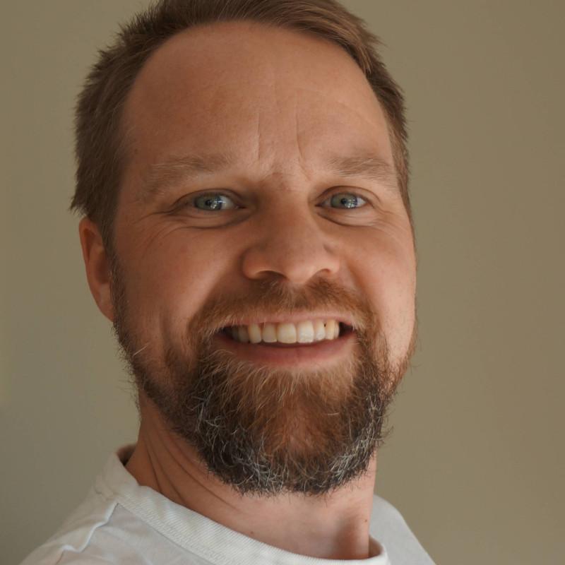 Jørgen Ekeberg Larsen smiler